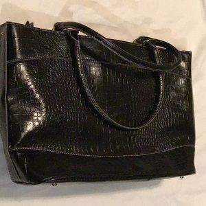 LARGE BLACK TOTE with many compartments